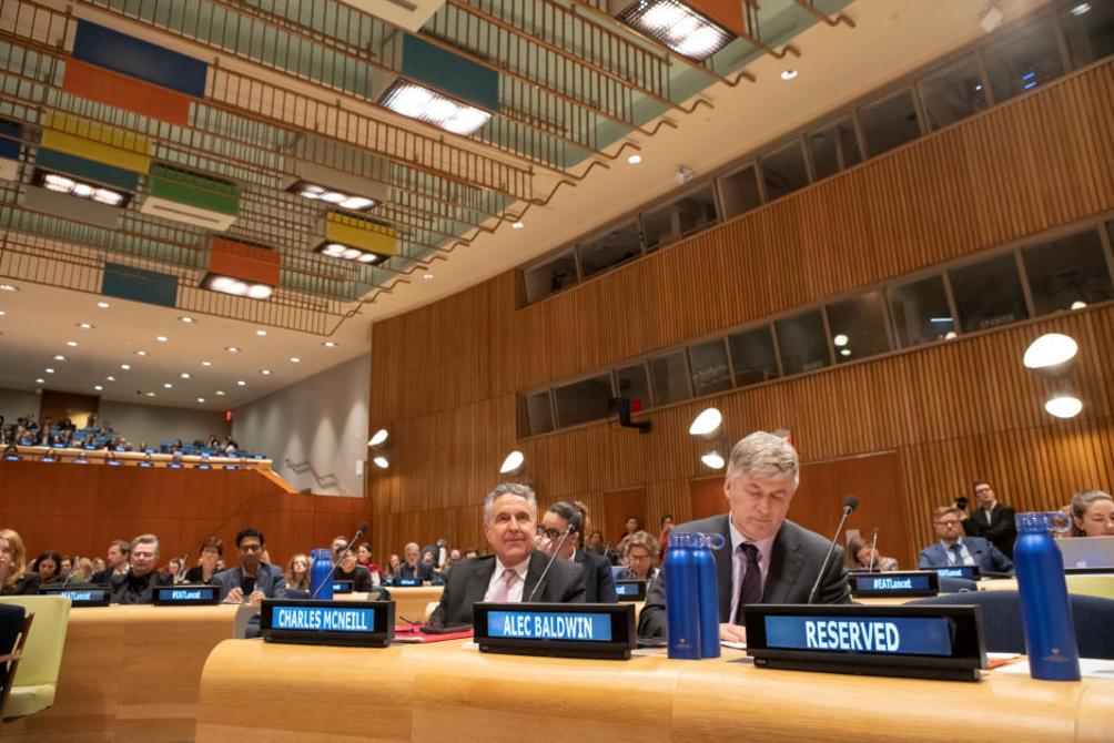 Alec Baldwin e Charles McNeill all'EAT-Lancet Launch, sede delle Nazioni Unite, New York.Fonte: Ayano Hisa.